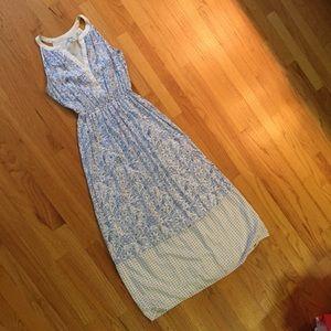 Dresses & Skirts - Maxi dress sleeveless light blue white Small EUC
